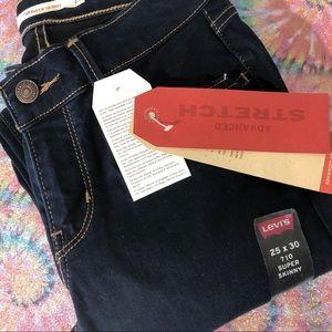 NWT Levi's 710 Super Skinny Jeans size 25